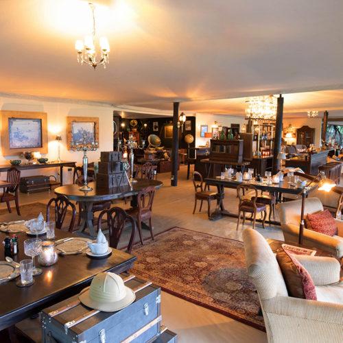 Cottar's main lounge area